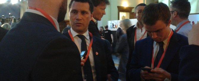 Rissa a Strasburgo: oppositore di Farage ricoverato in gravi condizioni