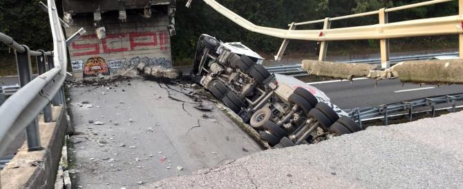 Crolla cavalcavia sulla Milano-Lecco, tir precipita sulle auto in arrivo: 1 morto