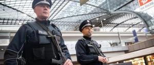 Allarme in Germania, la polizia cerca un terrorista in Sassonia. Ma è fuggito