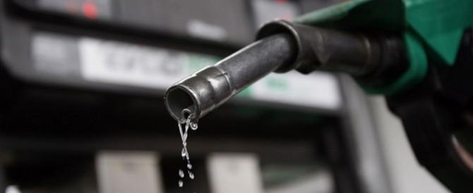 In arrivo un altro rincaro della benzina: da Monti a Renzi è la nona volta