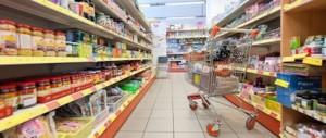 In pieno centro a Roma: blatte nel ristorante, topi in un supermercato