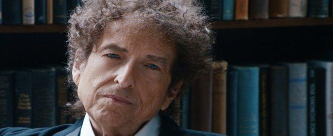 Nobel, l'ultimo sberleffo di Bob Dylan. È sparito: l'Accademia non lo trova