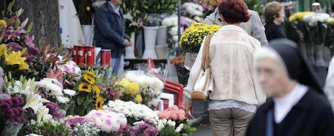 2 novembre, i garofani in pole position tra i fiori da portare al cimitero