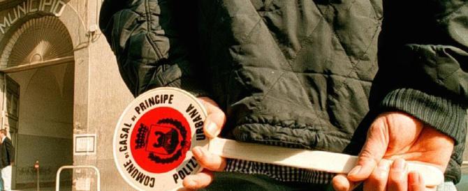 Dal 2001 ad oggi sciolti per mafia 12 comuni ogni anno. 70 casi in Calabria
