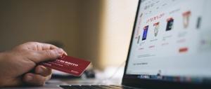 Svuotano i conti online e investono in beni di lusso che esportano in Russia