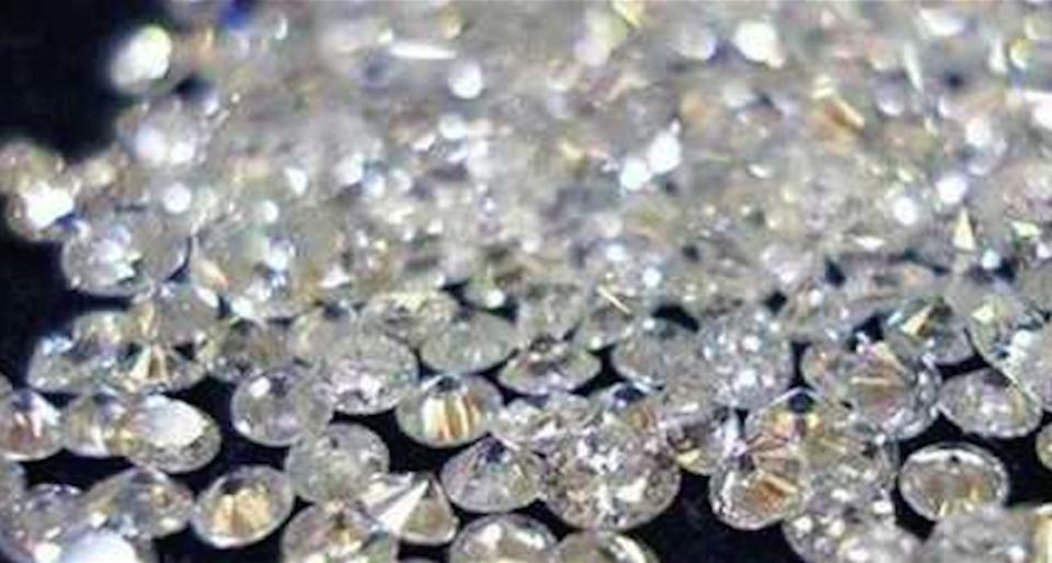 Per la truffa dei diamanti pagano i dipendenti, le banche esitano a effettuare i rimborsi