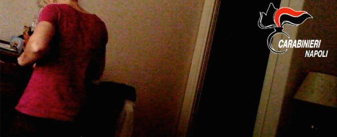 Napoli, domestica e ladra incastrata dalla videosorveglianza per bimbi
