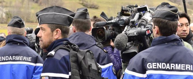 Parigi si prepara a un Capodanno blindato: in campo 2000 poliziotti