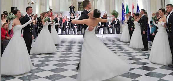Marina militare e Telethon partner d'eccezione del ballo delle debuttanti