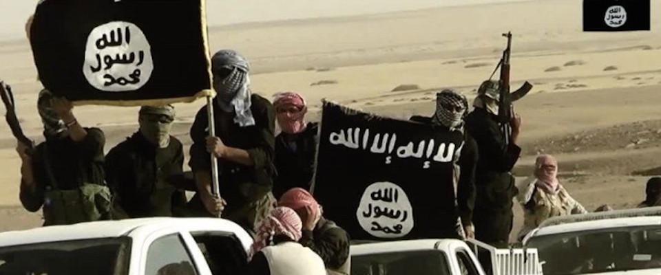Iraq, i terroristi Isis si arrendono: per cento dollari al mese non vale la pena