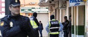 Giallo sull'italiano caduto dal balcone a Ibiza: troppe cose non quadrano