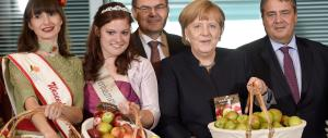 La Merkel si scava la fossa: sanzioni a Putin per la sua lotta all'Isis in Siria