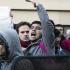 """Panico a Bari, migranti salgono sul bus gridando """"Allah Akbar"""": denunciati"""