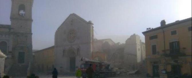 Norcia devastata, sono crollate la Basilica di San Benedetto e la Cattedrale
