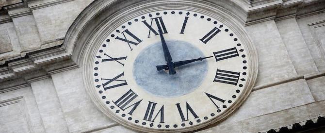 Il mistero degli orologi che rallentano di 6 minuti. Ecco perché la sveglia può tradirvi