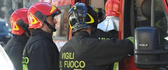 Paura a Milano, esplosione in un bar: undici feriti