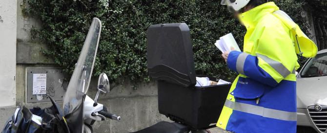 Roma, postino-pusher nascondeva tra le lettere marijuana: arrestato