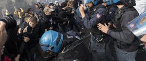 Momenti di tensione a Roma tra studenti e polizia