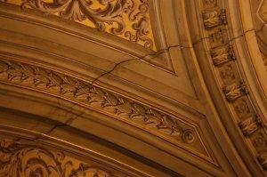 Crepe visibile all'interno della Basilica