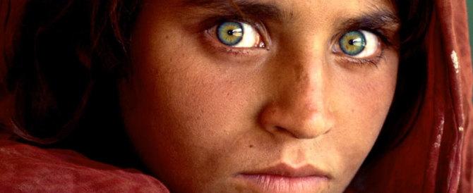 Pakistan, arrestata Sharbat Bibi: la sua foto è il simbolo dei rifugiati