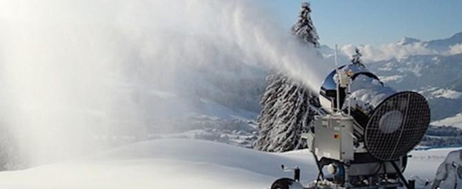 Sulle Dolomiti già attivi i cannoni sparaneve. Ma l'inverno è lontano