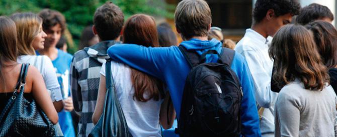 Sempre più studenti italiani prendono l'aereo e vanno a studiare all'estero