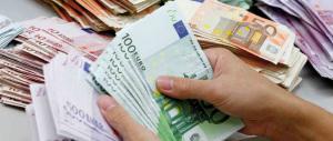 """Stipendi sempre più magri. Ecco come Pd e tecnici hanno """"curato"""" gli italiani"""