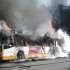 Metro a pezzi, bus a fuoco: il disastro quotidiano del trasporto pubblico di Roma