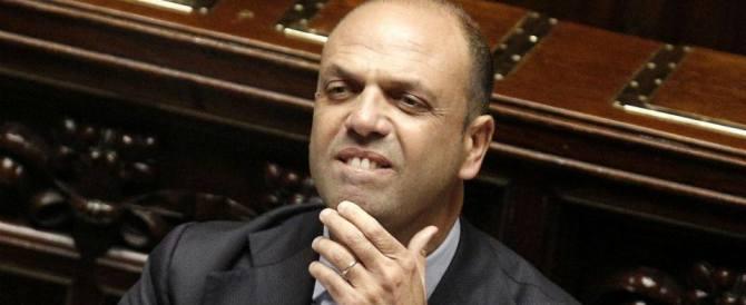 Alfano candidato in Sicilia? Casini frena: «Avvilente la processione da Berlusconi»