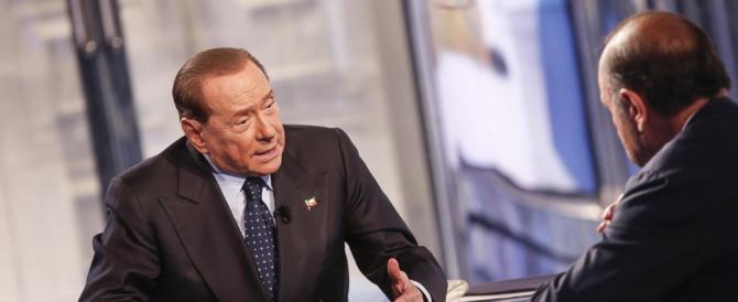 """Berlusconi lancia l'allarme: """"Se vince il Sì, l'Italia finisce nelle mani di Renzi"""""""