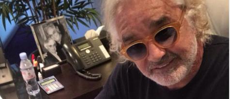 Selfie di Briatore mentre vota Sì: al via il ricorso per annullare la scheda
