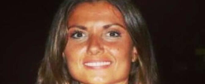 Bruciata dall'ex, parla Carla Caiazzo: «Mi guardo allo specchio e soffro»