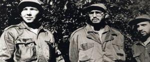 Castro in una foto del 1958 insieme al fratello Raul nella Sierra Maestra
