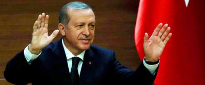 Erdogan si congratula con Trump e poi lo sfida: «Ora ci dia Gulen»