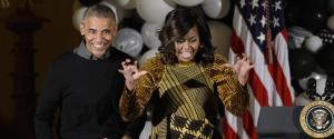 """La festa di Halloween alla Casa Bianca. Ecco Obama e Michelle che si mostrano """"ironici"""""""