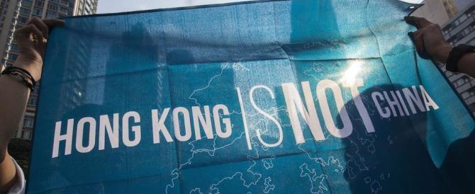 """Hong Kong, migliaia in piazza contro Pechino: vogliono la """"exit"""" dalla Cina (fotogallery)"""