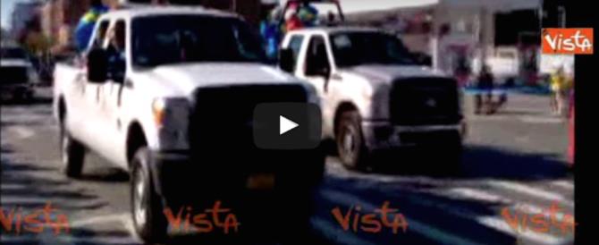 Maratona di New York, le fasi della corsa e gli applausi agli atleti (video)
