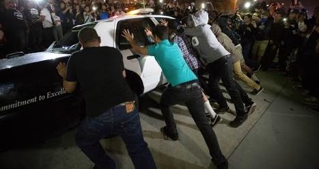 Portland: automobilista nero spara contro il corteo anti-Trump, un ferito