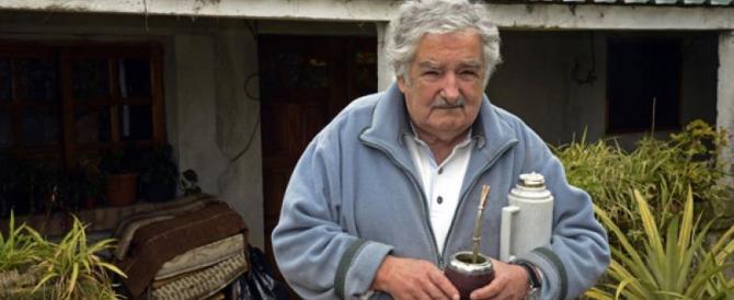Da presidente dell'Uruguay a star del web. Pepe Mujica arriva a Roma  (VIDEO)