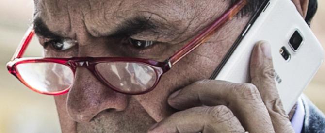 Bersani a Renzi: basta ricatti, lasci in pace risparmiatori e malati di epatite