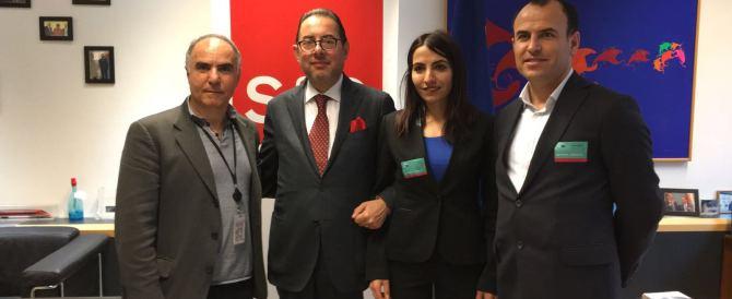 """Pittella (Pd) fa infuriare i turchi. """"In posa con due ricercati per terrorismo"""""""