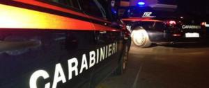 Roma violenta, prende a calci una donna che aspetta il bus per rapinarla