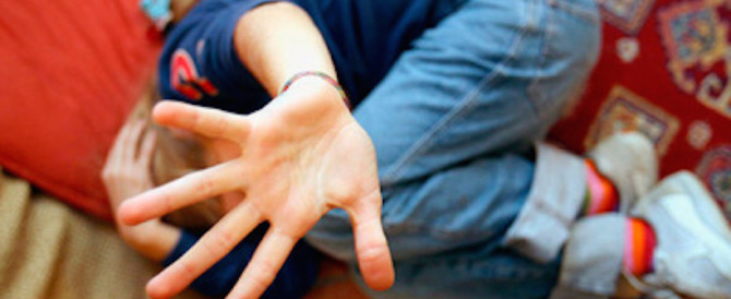 Minacce e abusi sessuali su una ragazzina di 15 anni: arrestato stalker