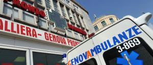 Genova, un'Audi perde il controllo e piomba sui passanti: cinque feriti