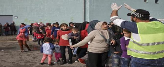 Violenze sui migranti in Italia. La Ue smentisce Amnesty: non ci risulta