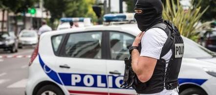 Allerta terrorismo in Francia: fermati altri 4 giovani. Nel mirino i mercatini di Natale