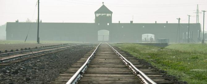 """«Fu complice dello sterminio»: condannato il """"contabile di Auschwitz"""""""