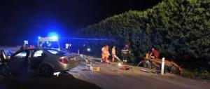 Auto crivellata dai proiettili e ribaltata: uccisi due fratelli albanesi