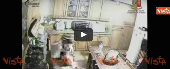 Le violenze su un'invalida da parte della coppia di badanti: il video choc