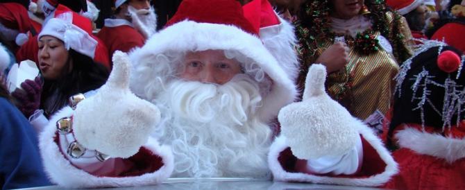 Scandalo a scuola: Babbo Natale porta in dono i permessi di soggiorno